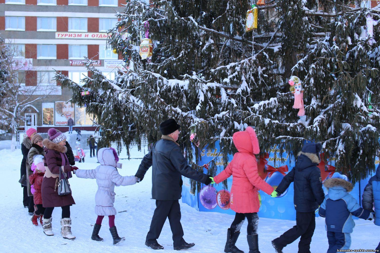 31 декабря поехали за елкой с детьми и братом на турбо вишне и сером медведе